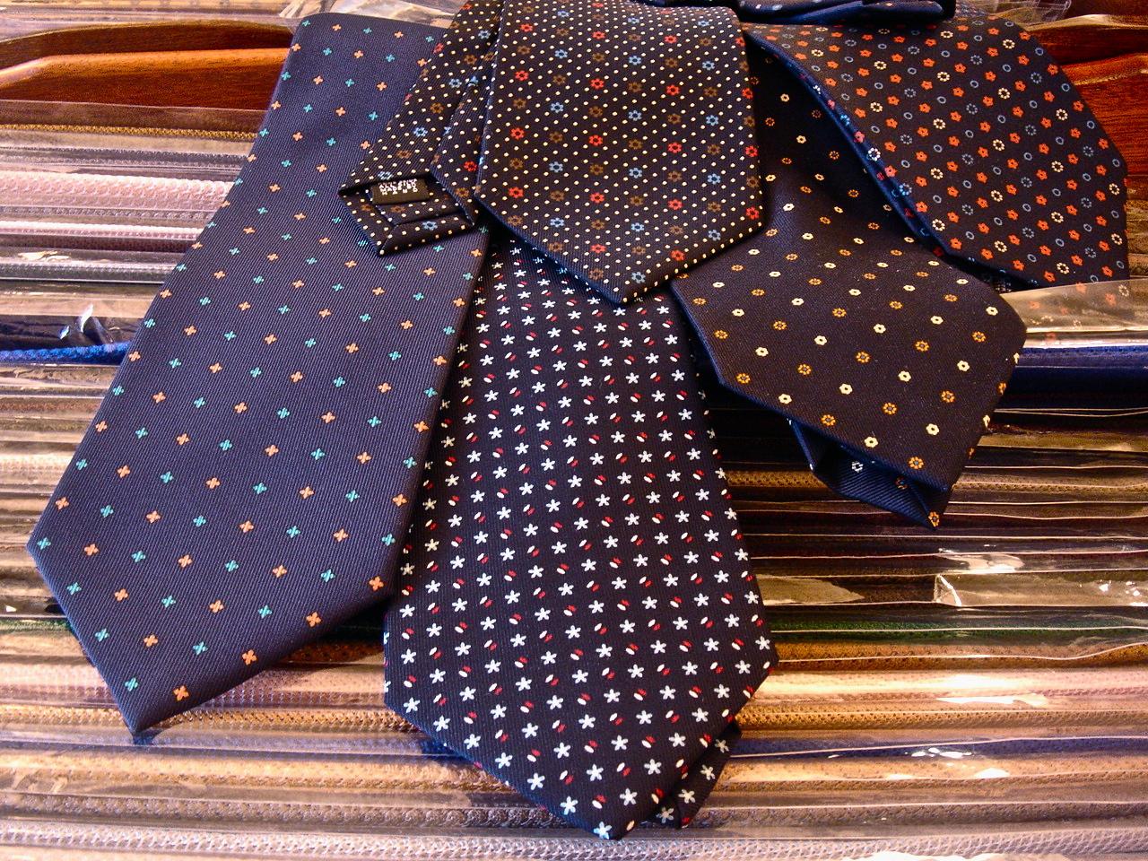 Cravatte Marinella Napoli Uneccellenza Napoletana b6dc28ca815b