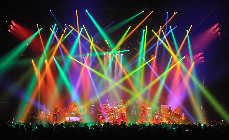 Come funziona il business dei bagarini dei concerti - Immagini passover a colori ...