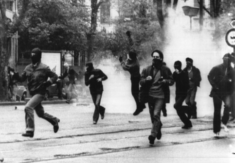 Una bomba 46 anni fa cos i terroristi rossi fecero la for Salone del mobile wikipedia