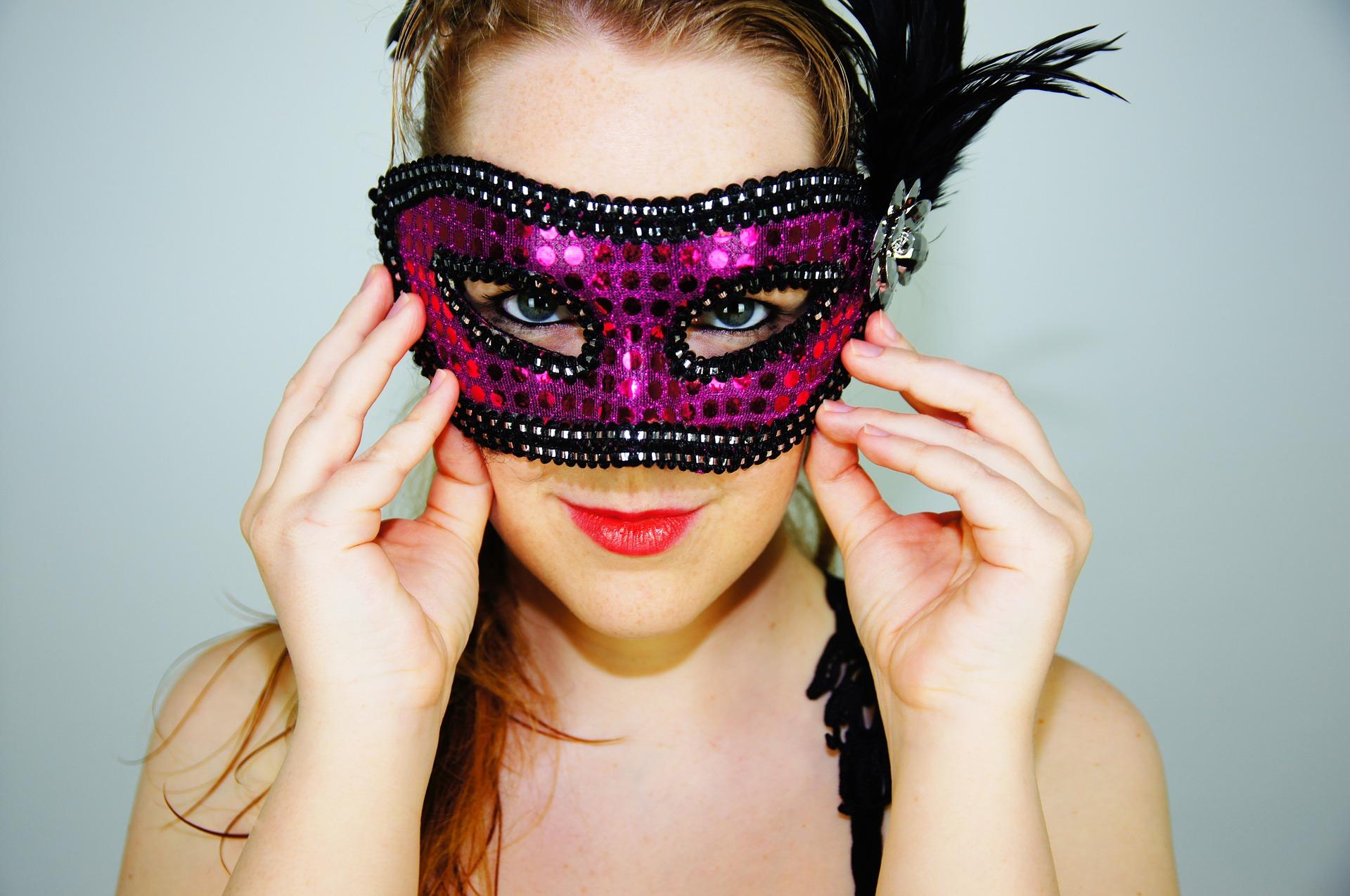 Carnevale  come realizzare un costume dal proprio armadio 89339a37b0c