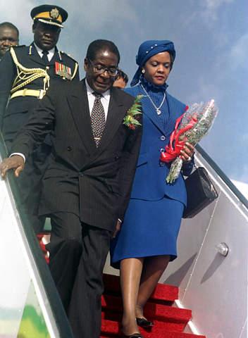 Mugabe Il Dittatore Immortale Governer Anche Da Cadavere