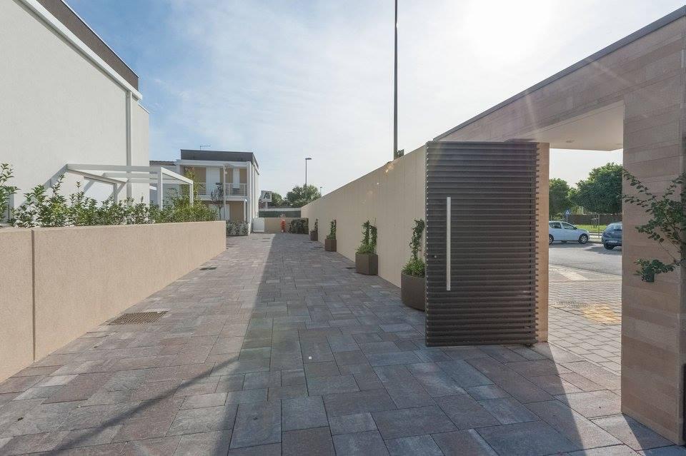 Non solo il muro di treviso boom italiano della sicurezza - Muri di casa colorati ...