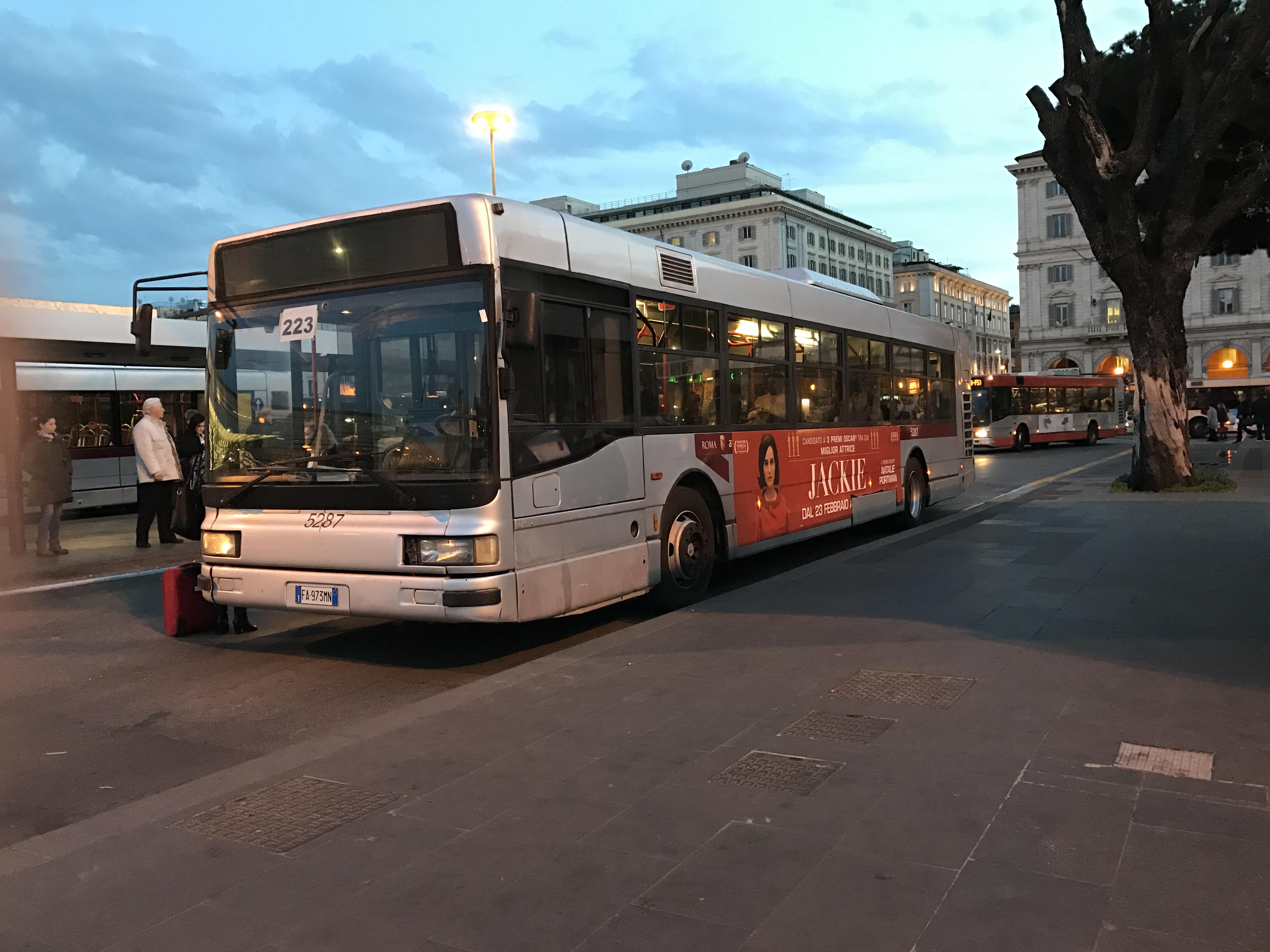 Inchiesta parentopoli l 39 atac fa scattare 33 licenziamenti for Roma mobile atac
