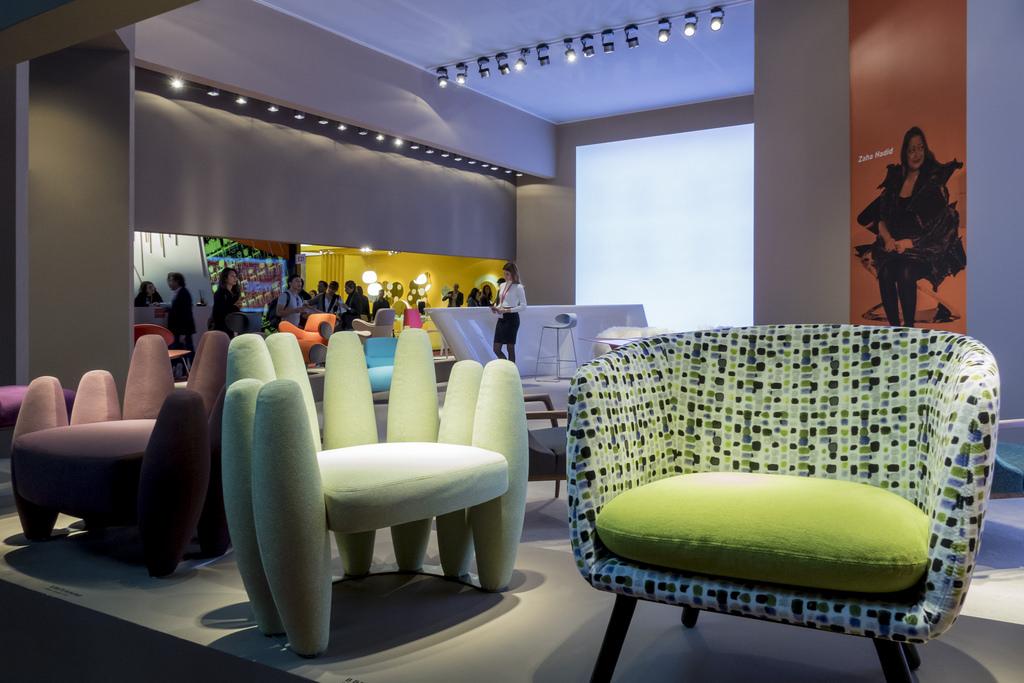 Design i nuovi stili dell 39 abitare contemporaneo al salone for Fiera del mobile e del design milano