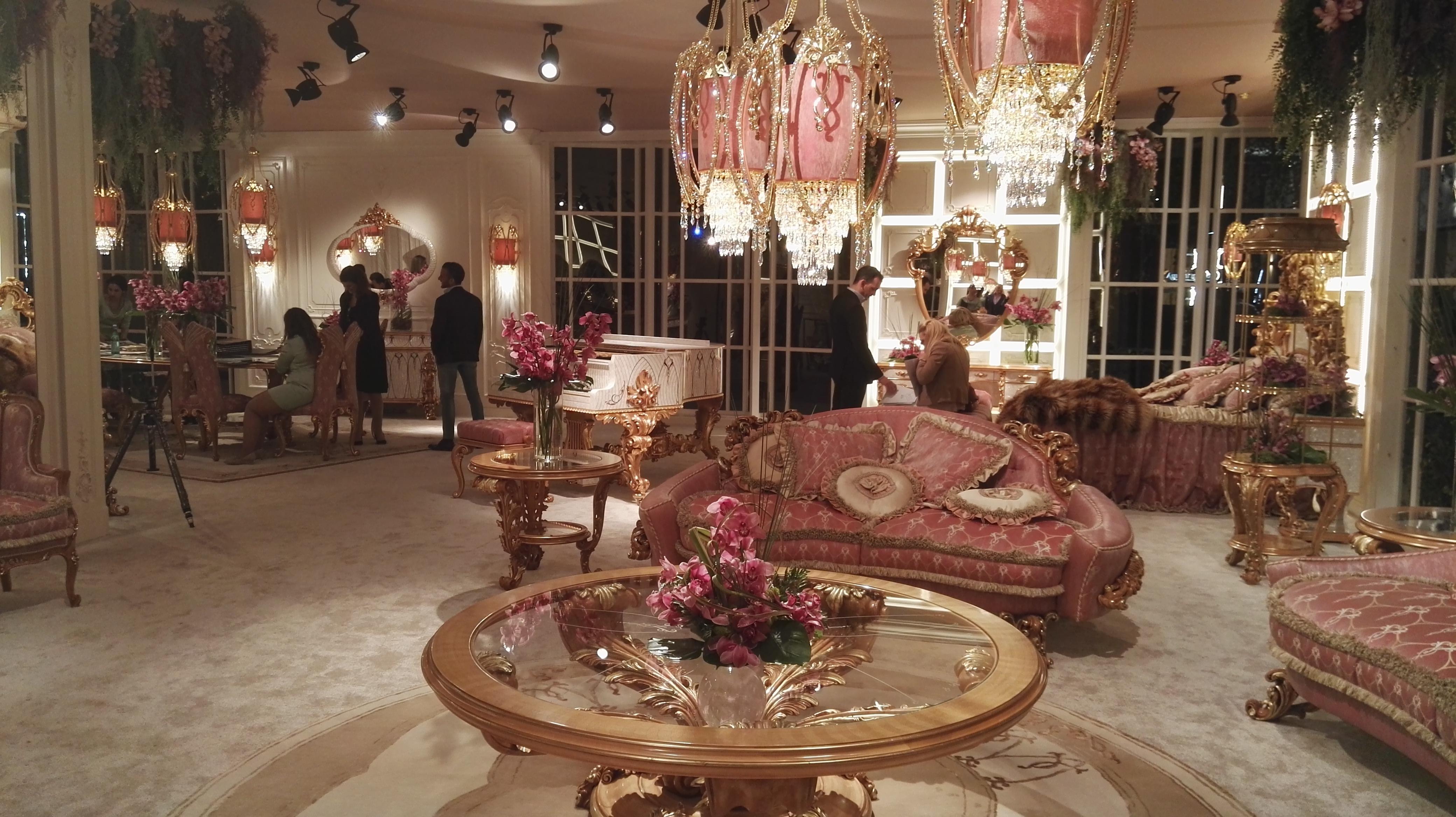 Salone del mobile il nuovo classico definisce lo stile for Salone di milano