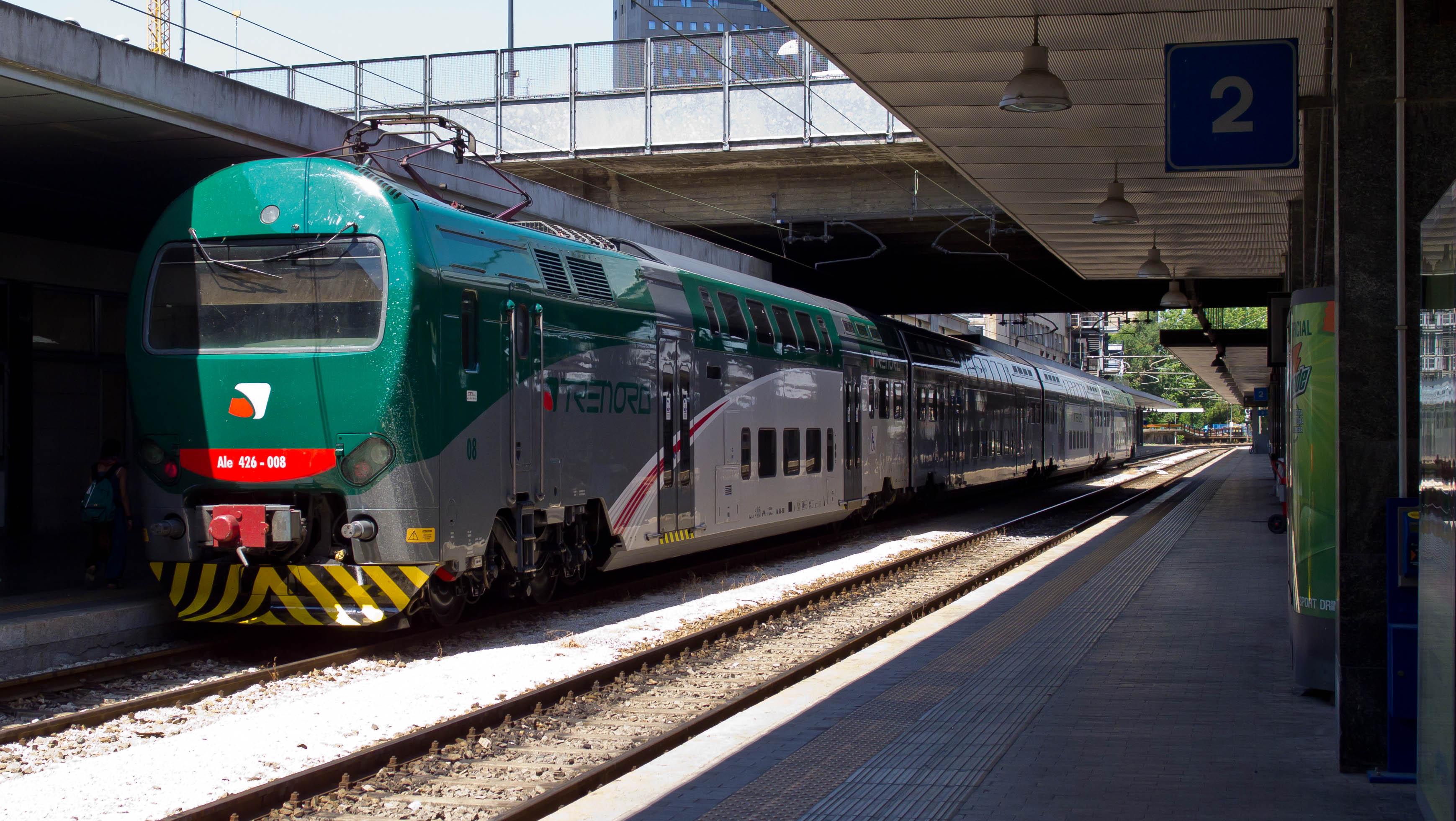 Lodi ancora sangue sui treni straniero accoltella - Milano porta garibaldi station ...