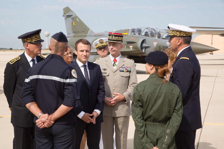 Macron mette le mani sulla libia forza italia il for Senatori di forza italia