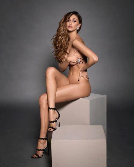 Calendario Belen Nuda.Il Nudo Integrale Di Belen Rodriguez Fa Impazzire I Fan
