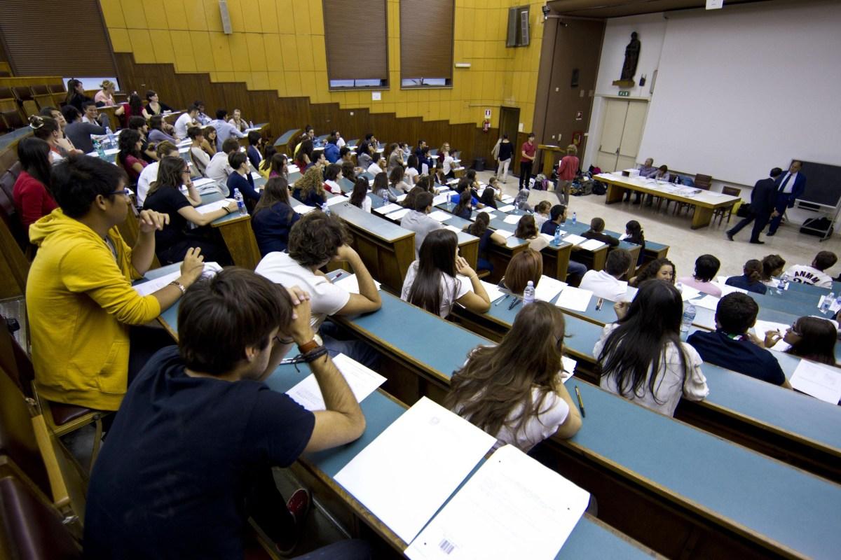 Nuovo bando per contributi abbattimento tasse universitarie
