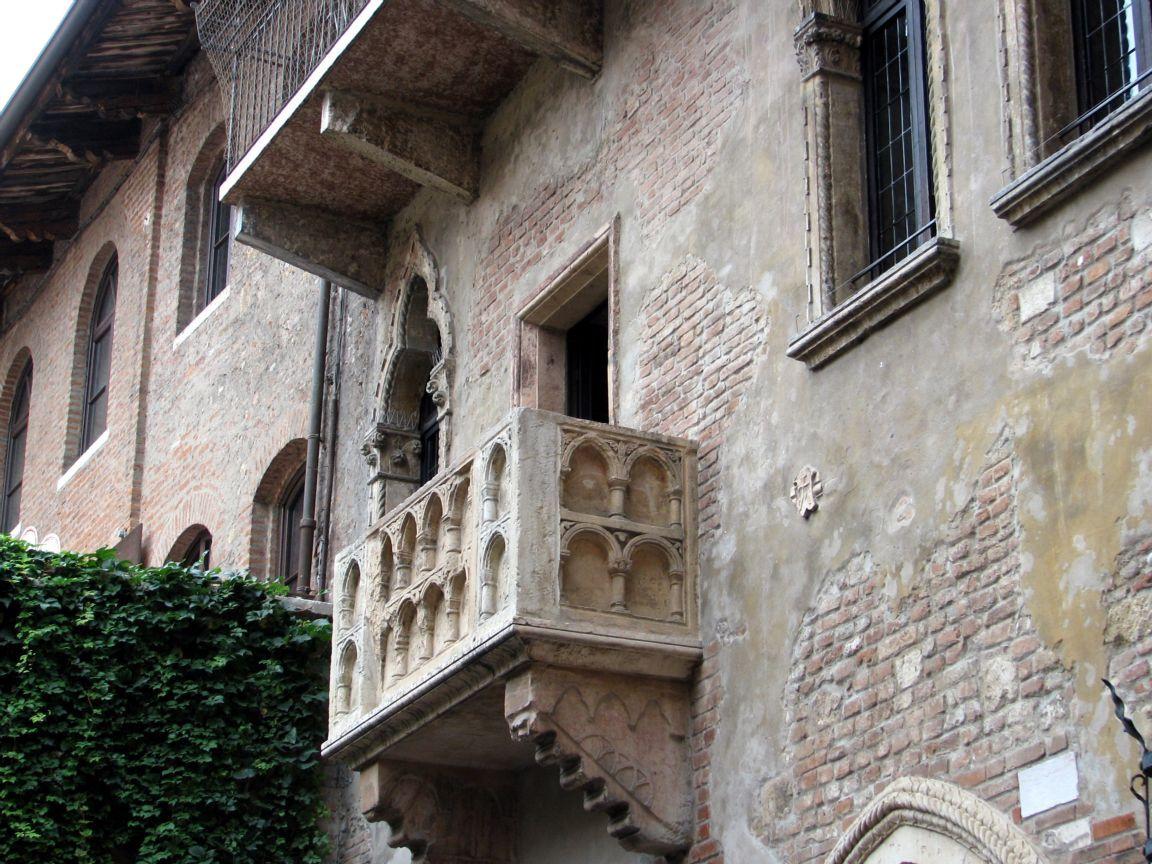 Il balcone di Giulietta torna quello di una volta