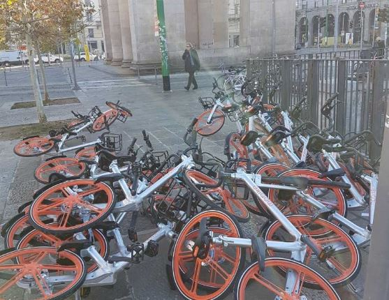 Bici abbandonate sardone servono le rastrelliere for Mobile milano bike sharing