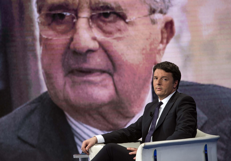 """Matteo a De Benedetti: """"Merkel ha rotto i c... Juncker è un cretino"""""""