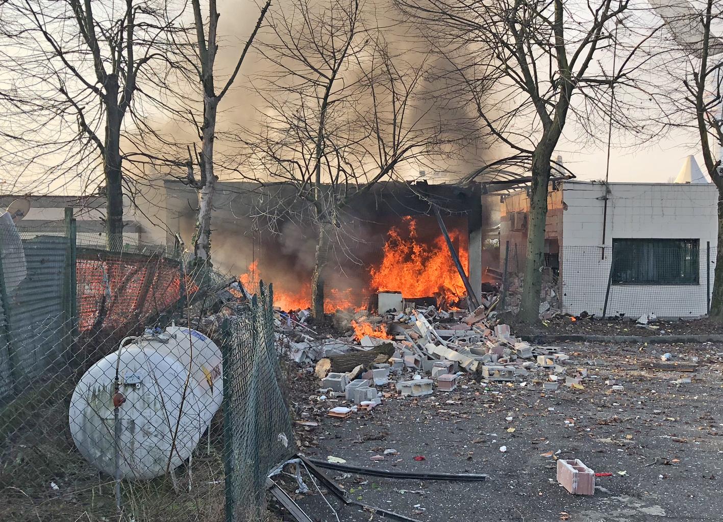 Esplosione della caldaia crolla alloggio del custode sei - Custode con alloggio ...