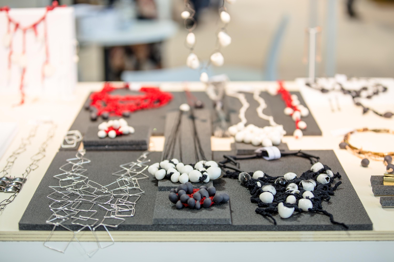 Gioielli moda e bijoux fra design e arte orafa a homi for Fiera milano design