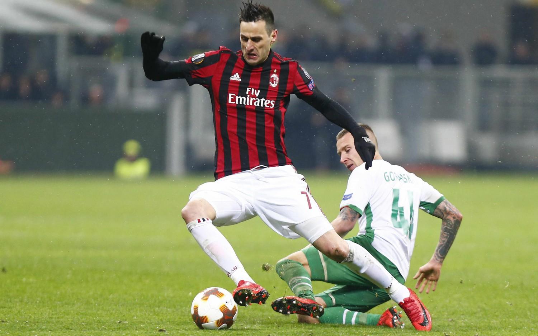 """I tifosi del Milan contro Kalinic: """"Non sei degno della ..."""