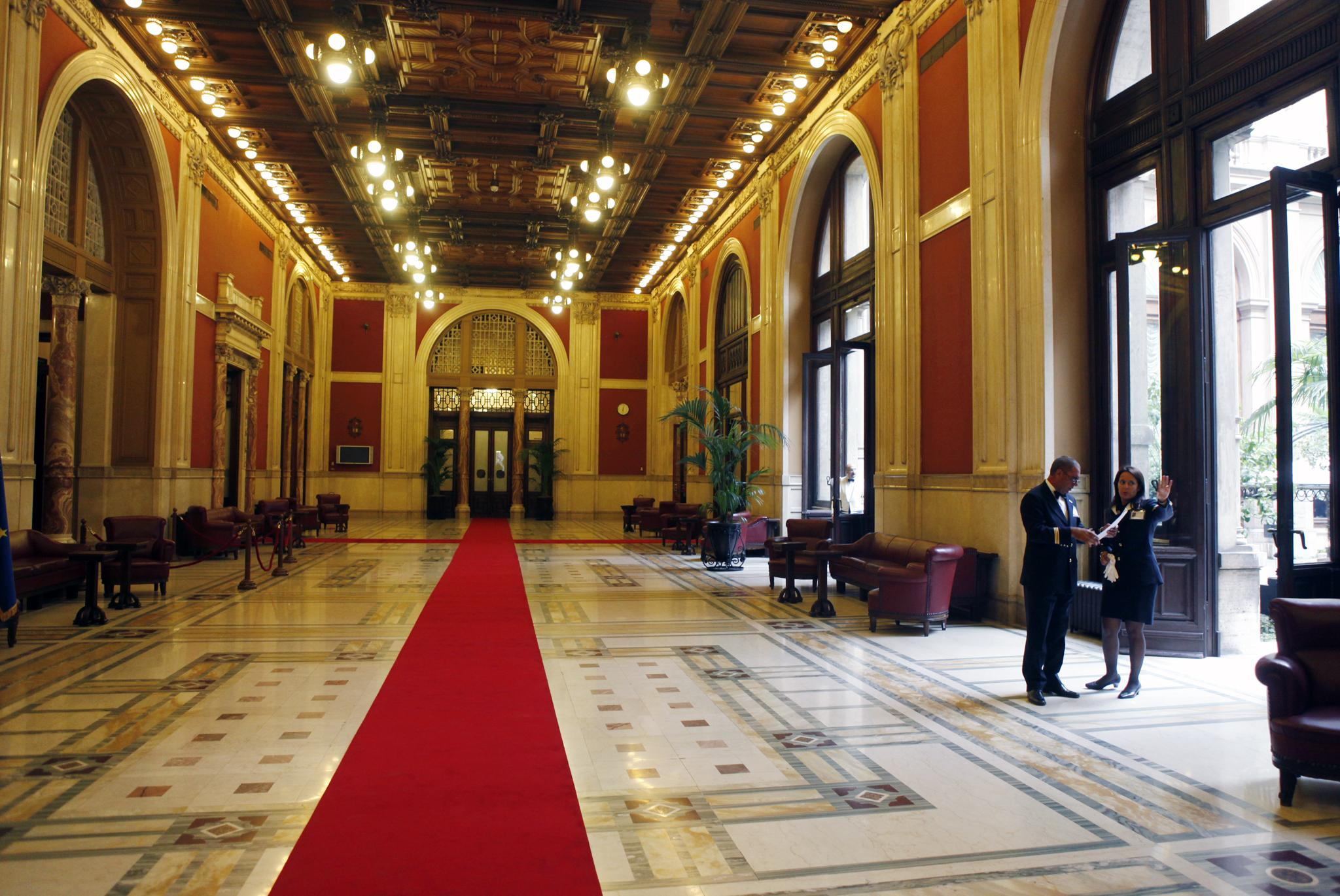 M5s chiude al centrodestra su romani salvini trattative for Parlamento montecitorio