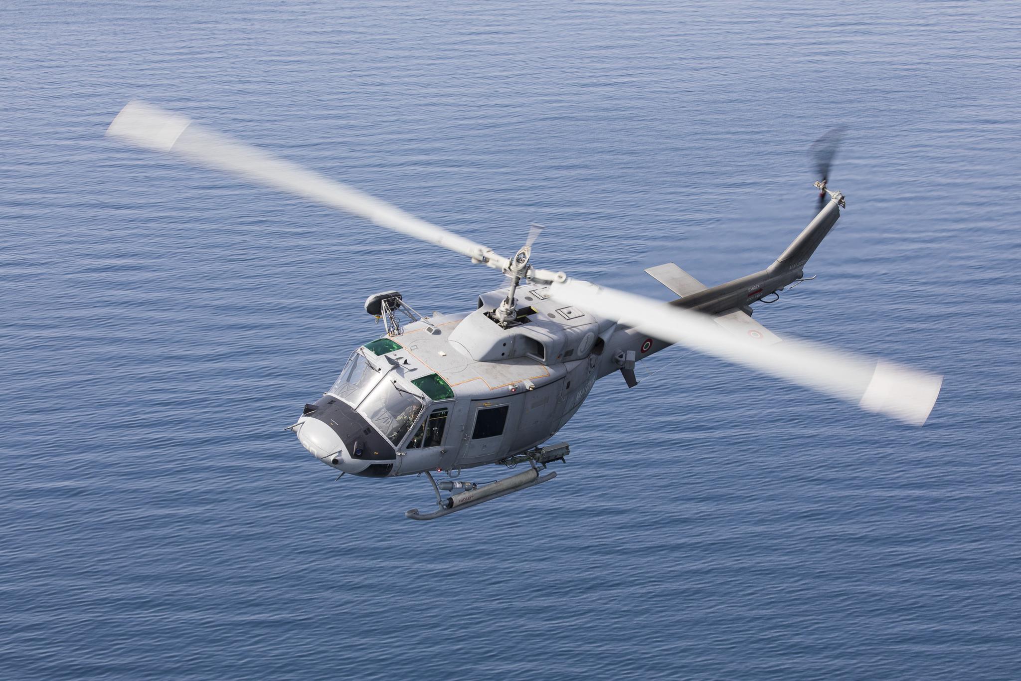 Elicottero Marina Militare : Precipita un elicottero di quot mare sicuro muore