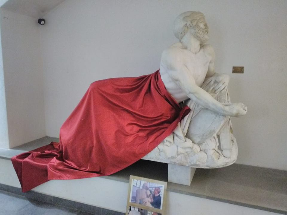 Savona, statua censurata per non offendere i musulmani
