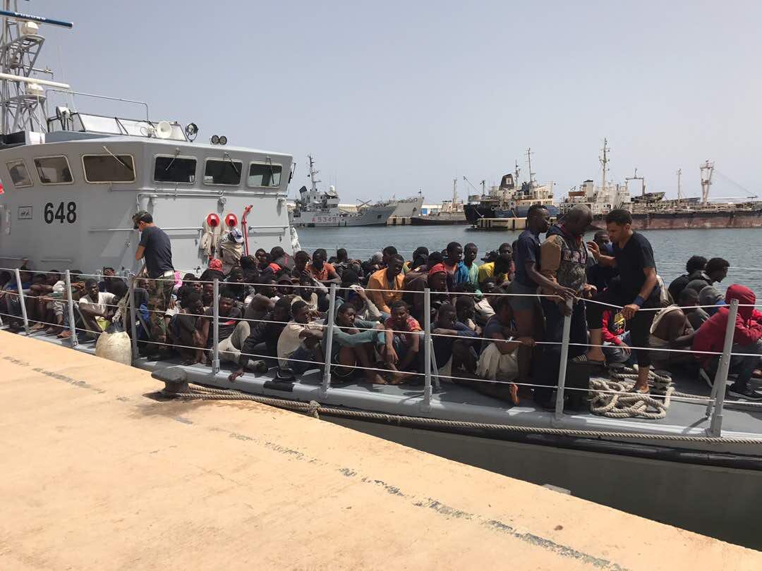 libia, fuga in massa da carceri. ora è allarme jihadisti sui barconi