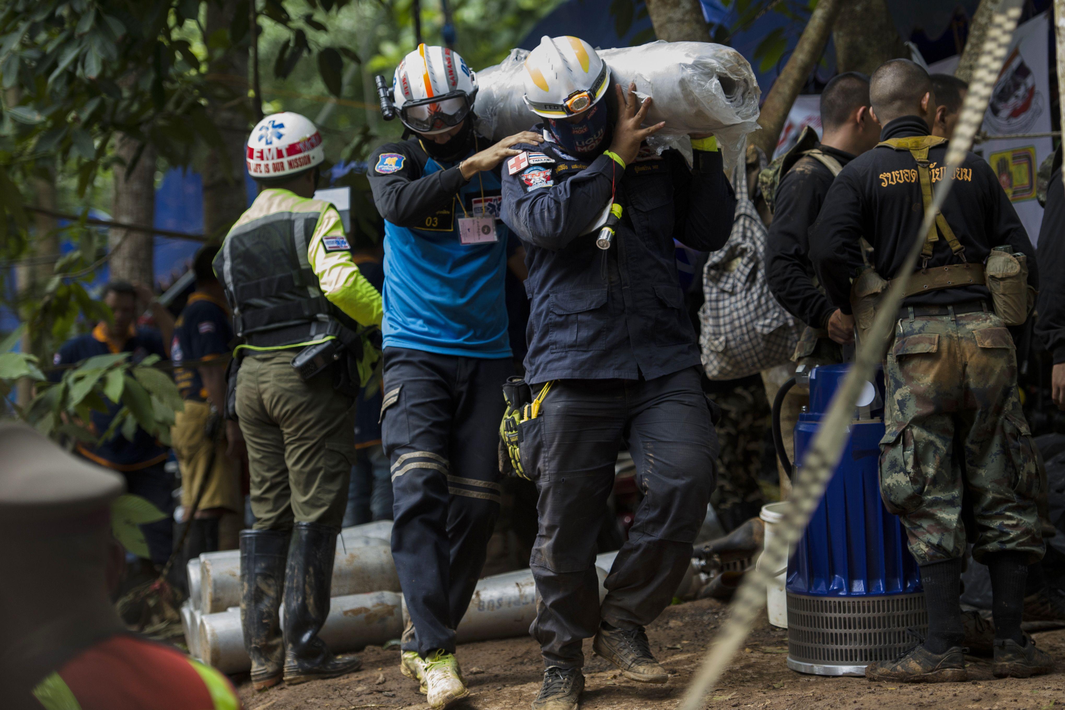 Thailandia muore un soccorritore scoperto un cunicolo for Quanto costa un uomo in grotta