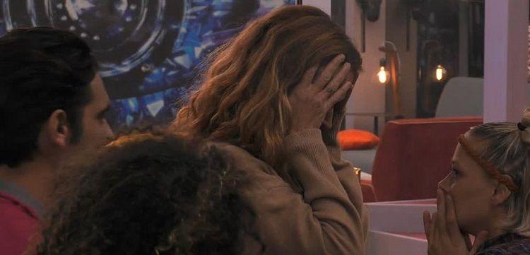 Dopo le parole di Walter sul cancro Jane scoppia a piangere in diretta