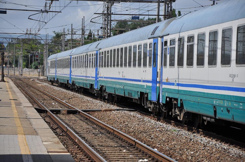 Carabiniere insegue un ladro: muore investito da un treno