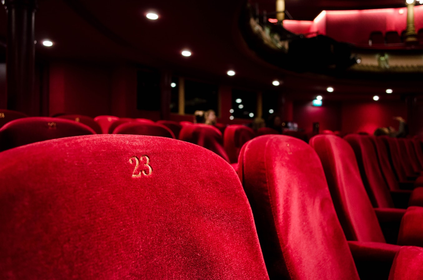 Biglietti carissimi per il cinema di lusso, Twitter protesta ...