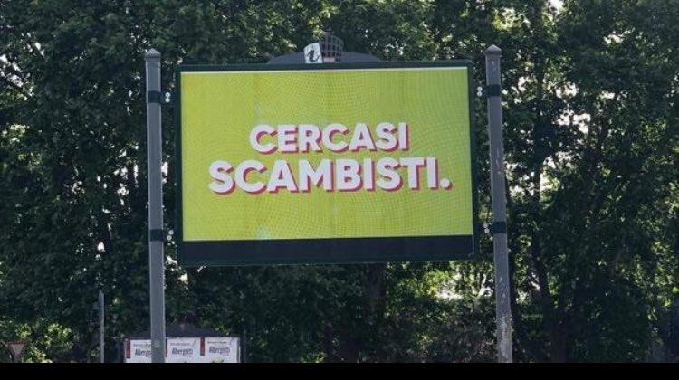Roma apparsi misteriosi cartelloni cercasi scambisti for Cercasi ufficio roma