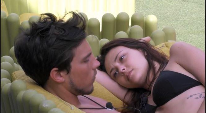Gf, Martina festeggia la vittoria con Daniele: la vincitrice a letto con ...