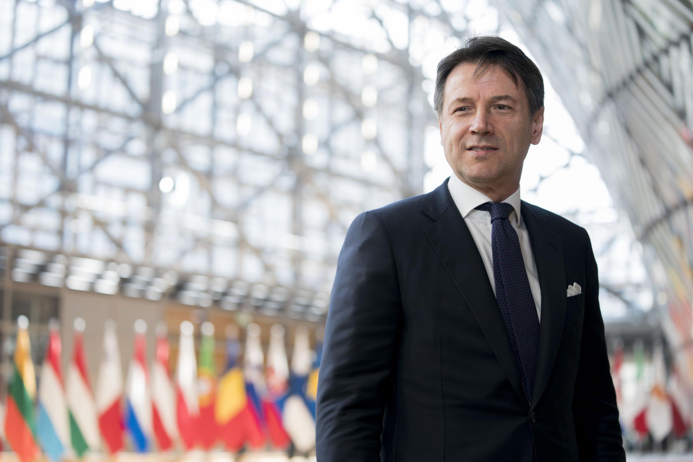 Calendario Bonus Renzi 2020.La Melina Del Premier Sulla Manovra Flat Tax Meglio Il