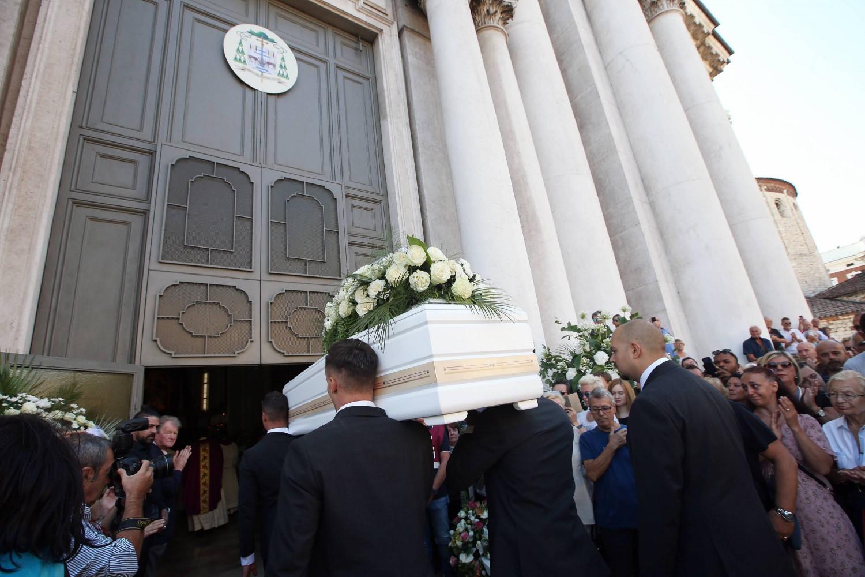 funerale nadia toffa - photo #9