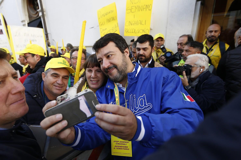 Lancio di uova contro Salvini: una condanna e sei assoluzioni a Imperia - ilGiornale.it