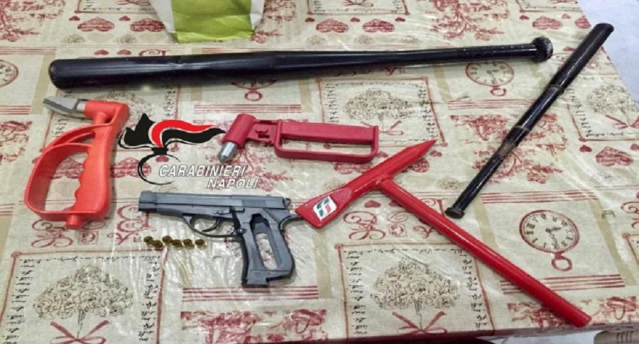 Casoria, scoperte armi e sfollagente: 232 identificati - il Giornale