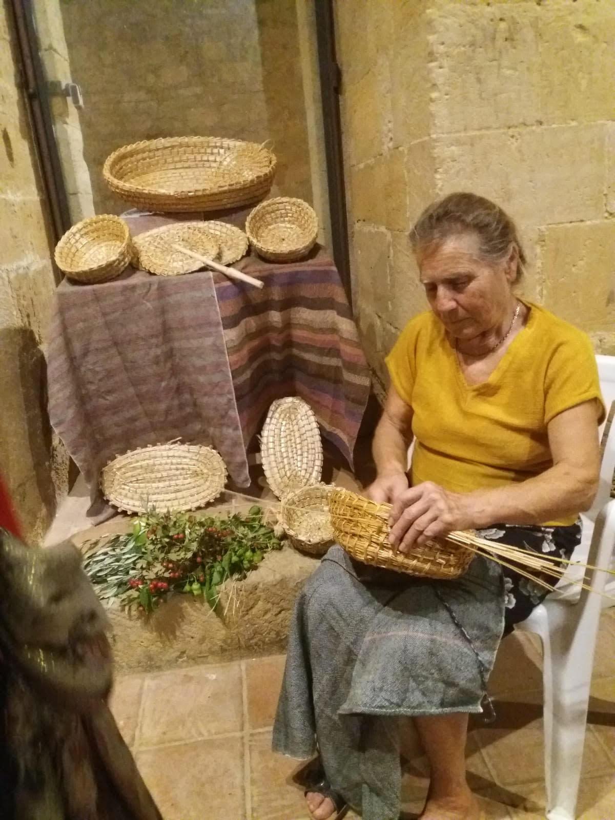 Salemi, anziana massacrata e buttata in una scarpata. È giallo a Trapani - ilGiornale.it