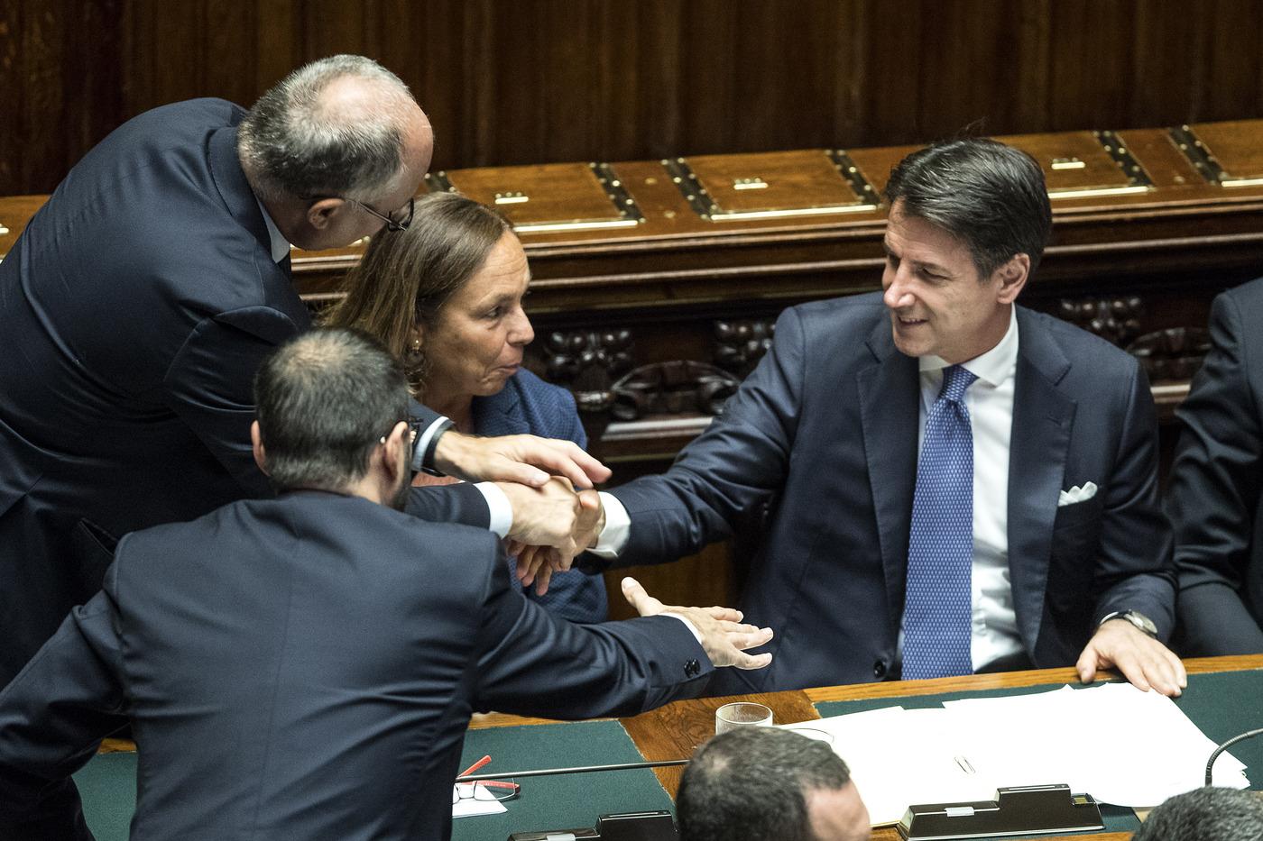 """Il governo litiga pure sui decreti Salvini: """"Non li possiamo smantellare"""" thumbnail"""