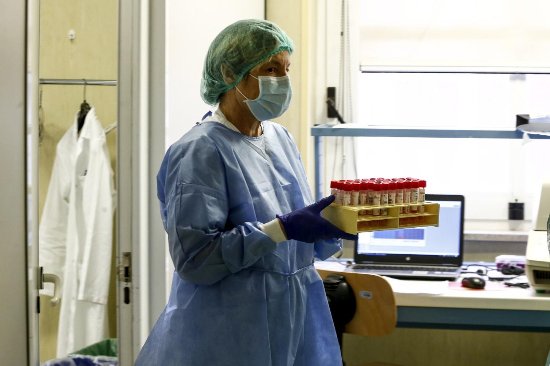 """Ieri 208 casi (111 lombardi). Ma Ippolito: """"Il virus è vivo"""""""