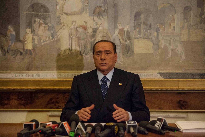 """Berlusconi: """"Non governeremo con le sinistre"""" thumbnail"""