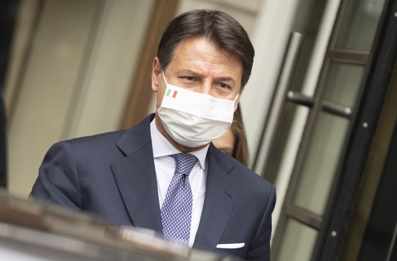 Il virus spacca il governo:
