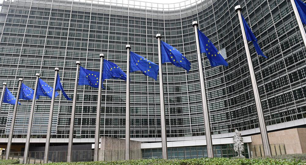 Crolla fiducia degli italiani nell'Ue. È il dato più basso d'Europa