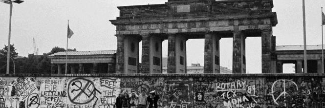 Storia per frasi del muro di berlino - Berlino porta di magdeburgo ...