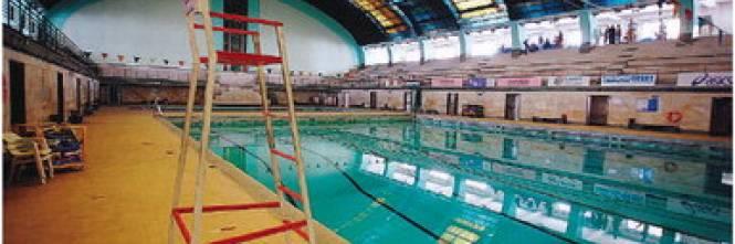 Piscine palazzetti e atletica cos il comune taglia lo sport - Milano sport piscine ...