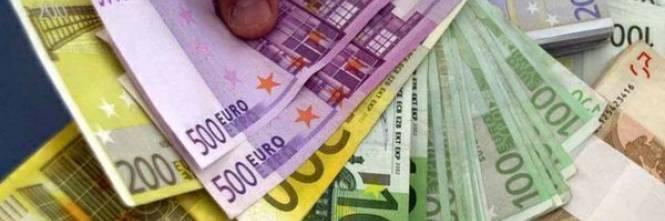 Le banconote di grosso taglio diventano una trappola - Cucine da 10000 euro ...