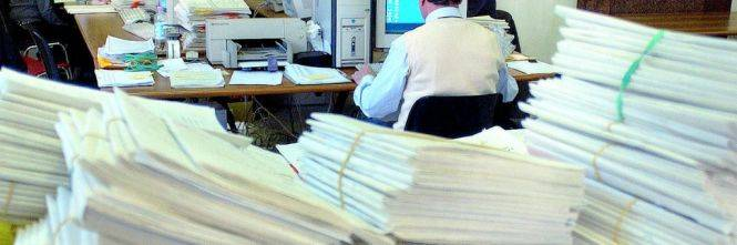 Risultati immagini per Burocrazia e parassitismo amministrativo vedi