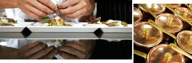 in cucina per preparare ciascuno un originale piatto del men della cena gli chef carlo cracco davide oldani fabio zago fabio pisani e alessandro