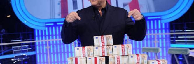 """Scotti a Renzi: """"Toglimi il vitalizio"""""""