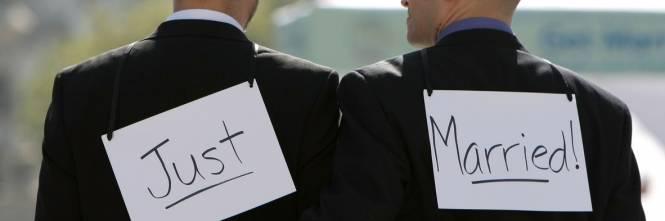 Matrimonio Simbolico Milano : Bologna registrate nozze gay celebrate all estero