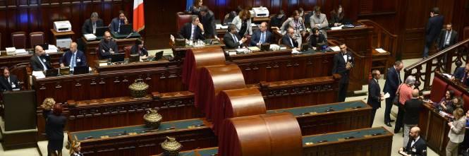 Consulta ennesima fumata nera napolitano rattrista lo for Oggi in parlamento