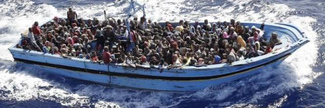 Risultati immagini per invasione di immigrati in italia