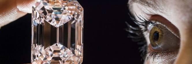 """Il diamante """"perfetto"""" all'asta per 20 milioni di dollari 1"""