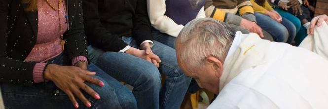 Il Papa lava i piedi alla showgirl Lubamba 1